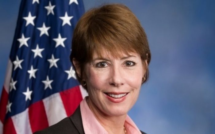 """US Rep. Graham Criticized for """"Southerland Like"""" Votes"""