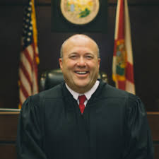 Tallahassee Bar Association Poll on Qualifications Favors Smith in Judge Race