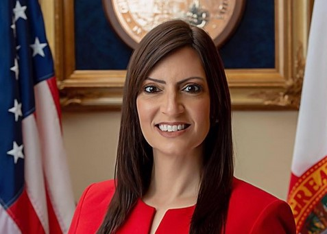 Nunez Helps Launch Immigration Program