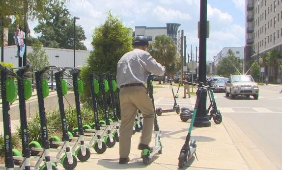 City Commission Votes to Extend E-Scooter Pilot Program